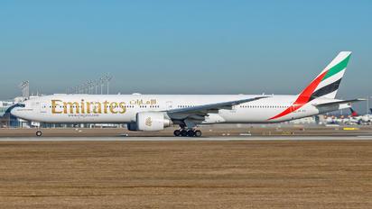 A6-EBI - Emirates Airlines Boeing 777-300ER
