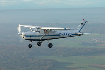 D-EEZQ - Private Cessna 150