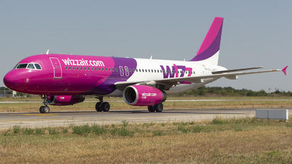 HA-LYV - Wizz Air Airbus A320
