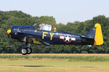 N13FY - Private North American Harvard/Texan (AT-6, 16, SNJ series)