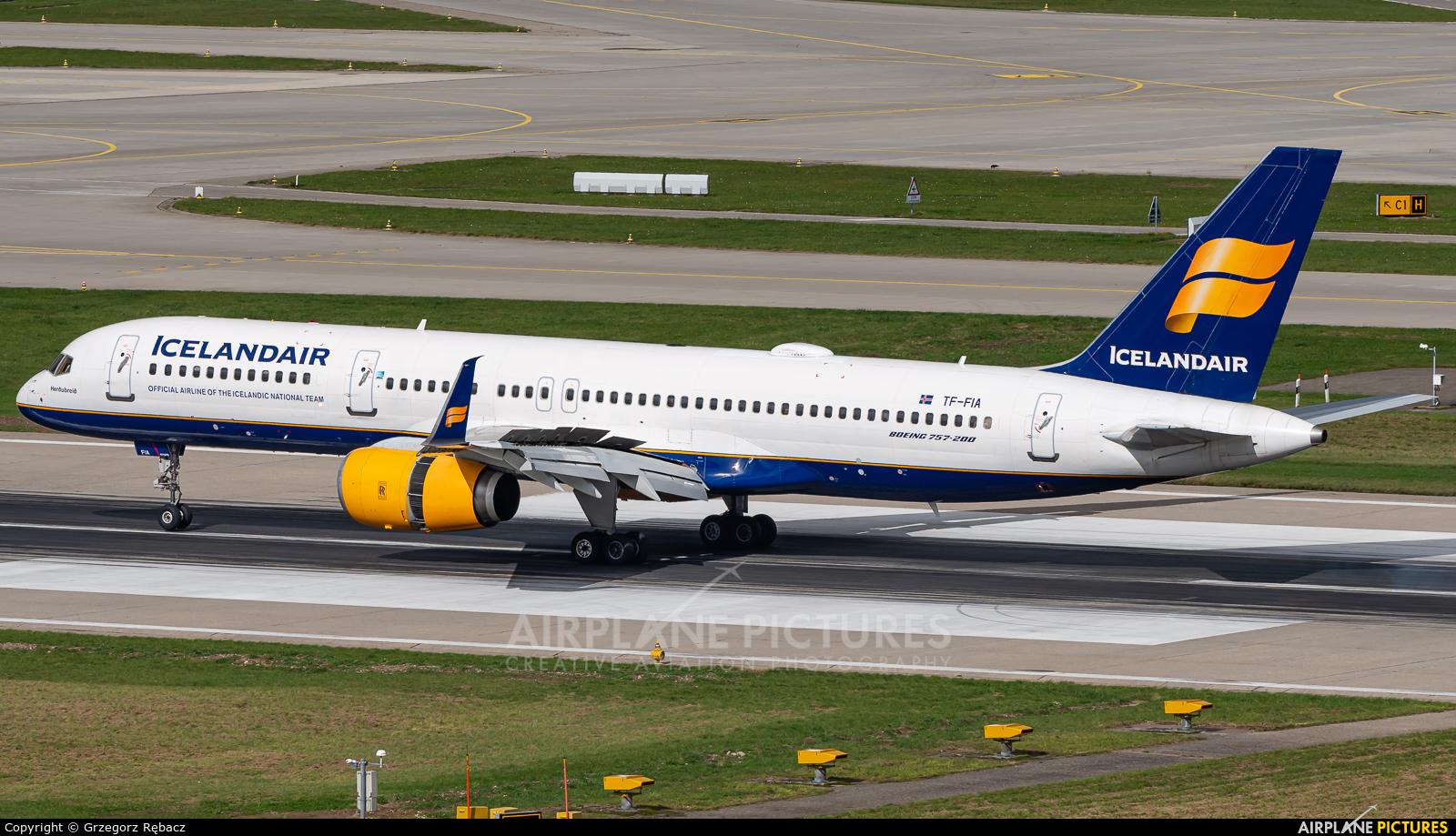 Icelandair TF-FIA aircraft at Zurich
