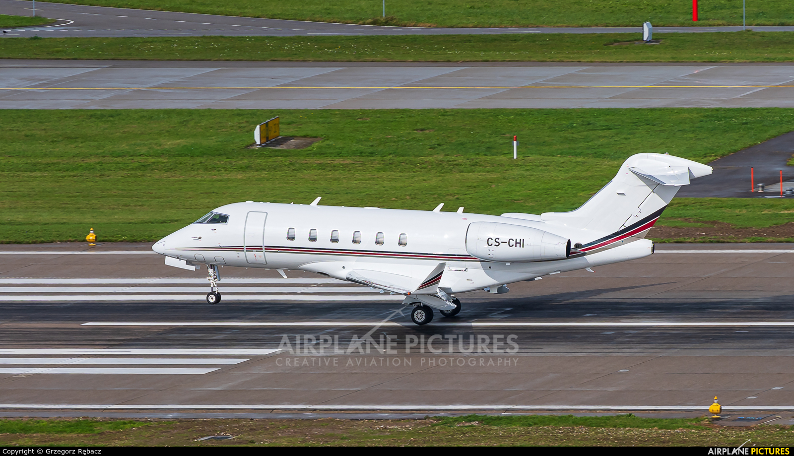 NetJets Europe (Portugal) CS-CHI aircraft at Zurich