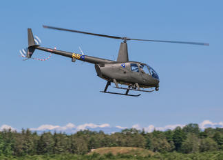 66 YELLOW - Estonia - Air Force Robinson R44 Clipper