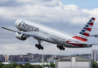 N798AN - American Airlines Boeing 777-200ER