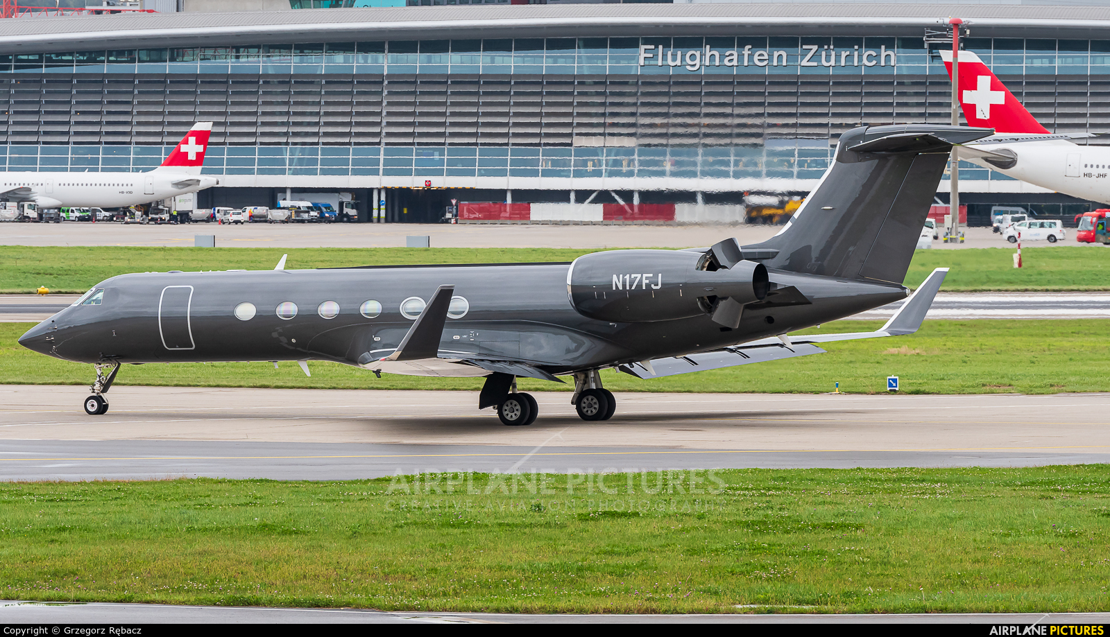 Private N17FJ aircraft at Zurich