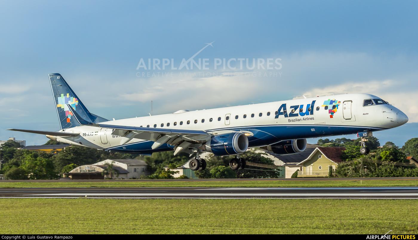 Azul Linhas Aéreas PR-AXD aircraft at Londrina – Gov. José Richa