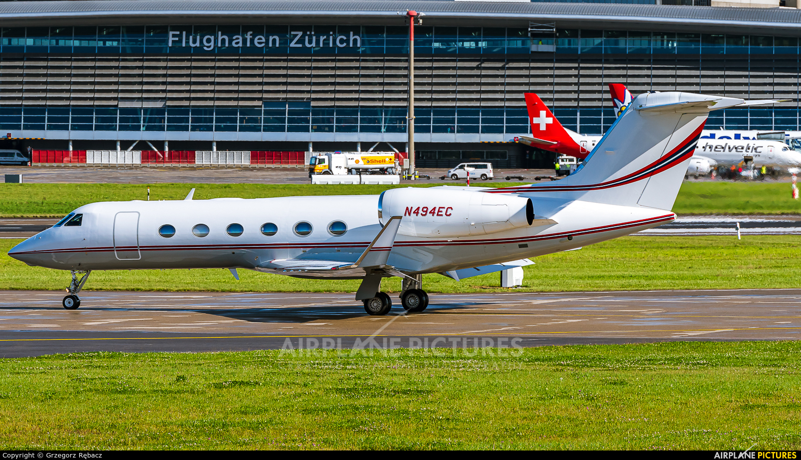Private N494EC aircraft at Zurich