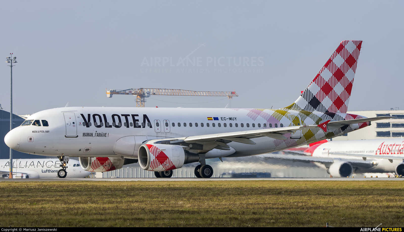 Volotea Airlines EC-MUY aircraft at Vienna - Schwechat