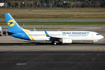UR-PSM - Ukraine International Airlines Boeing 737-800