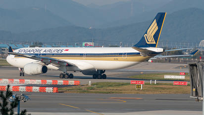 9V-SSI - Singapore Airlines Airbus A330-300