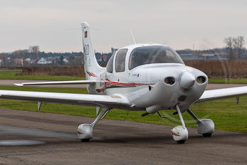 D-EEDB - Private Cirrus SR20