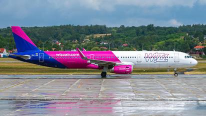 HA-LXM - Wizz Air Airbus A321