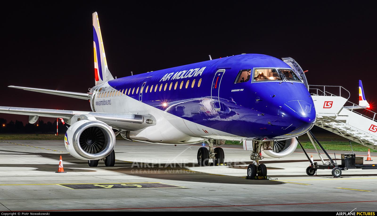 Air Moldova ER-ECC aircraft at Warsaw - Frederic Chopin