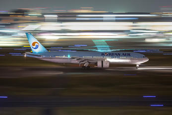 HL7751 - Korean Air Boeing 777-200