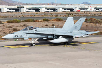 C.15-32 - Spain - Air Force McDonnell Douglas EF-18A Hornet