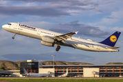 D-AISV - Lufthansa Airbus A321 aircraft