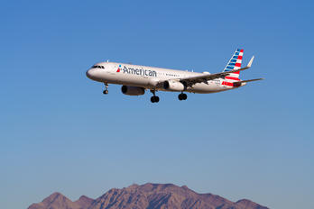 N126AN - American Airlines Airbus A321