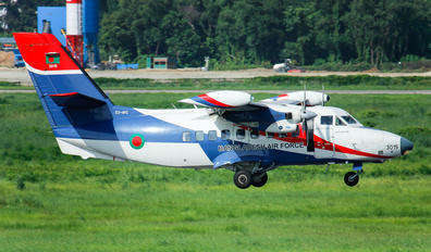 S3-AVC - Bangladesh - Air Force LET L-410UVP-E20 Turbolet