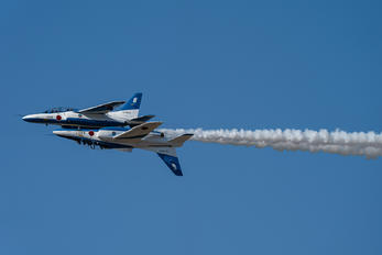 16-5666 - Japan - ASDF: Blue Impulse Kawasaki T-4