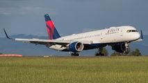 N6707A - Delta Air Lines Boeing 757-200 aircraft