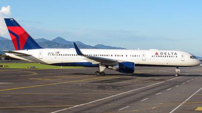N6702 - Delta Air Lines Boeing 757-200