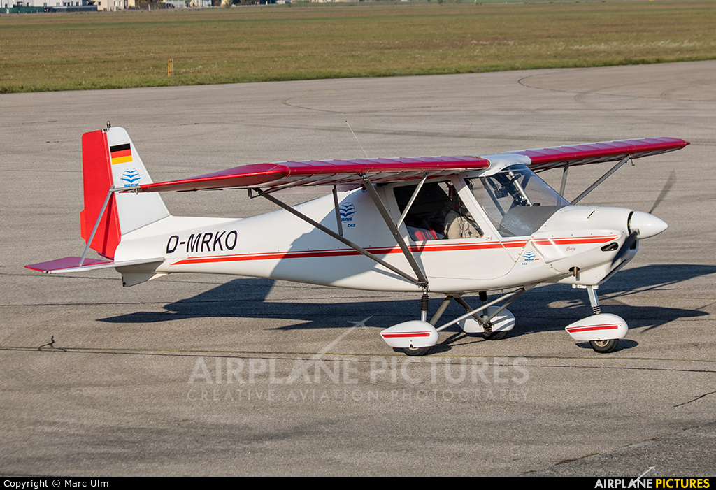 Private D-MRKO aircraft at Wels