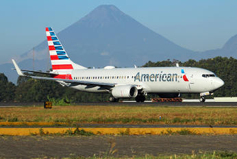 N991AN - American Airlines Boeing 737-800