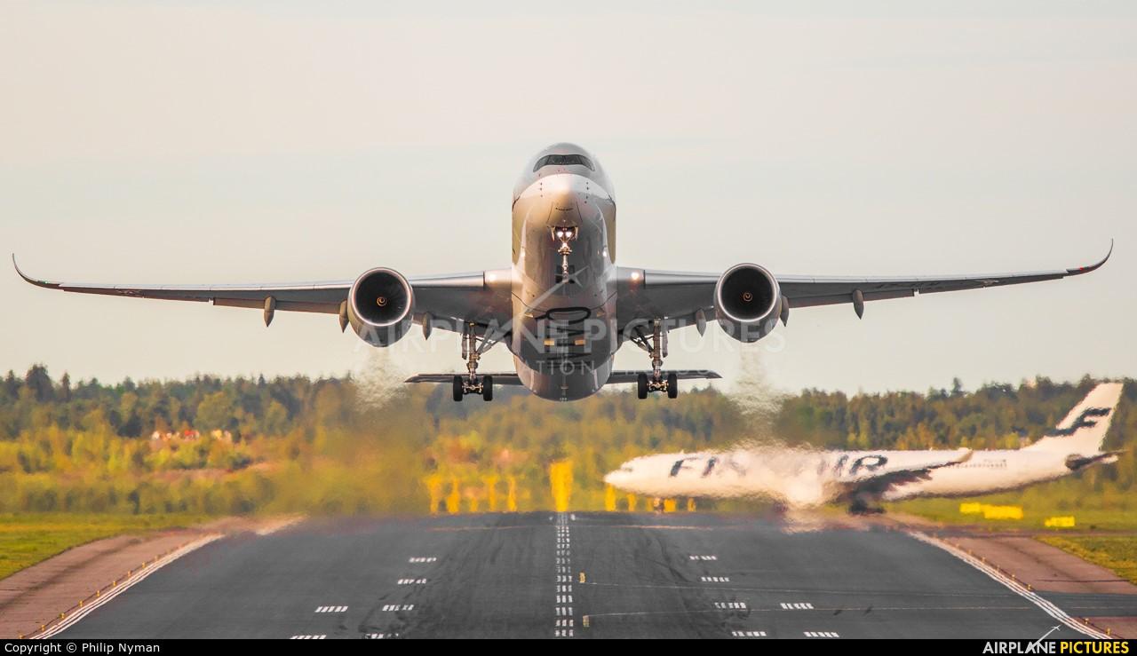 Qatar Airways A7-ALK aircraft at Helsinki - Vantaa