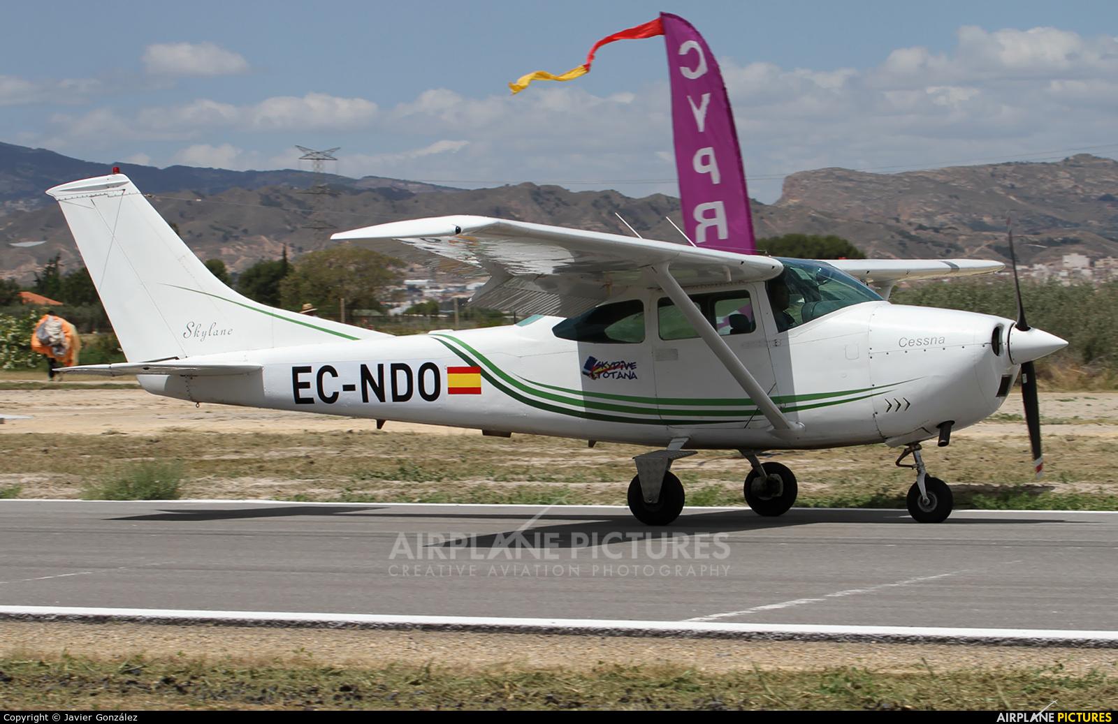 Private EC-NDO aircraft at Totana