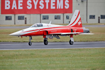 J-3087 - Switzerland - Air Force: Patrouille Suisse Northrop F-5E Tiger II