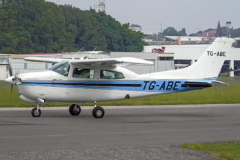 TG-ABE - Private Cessna 210N Silver Eagle