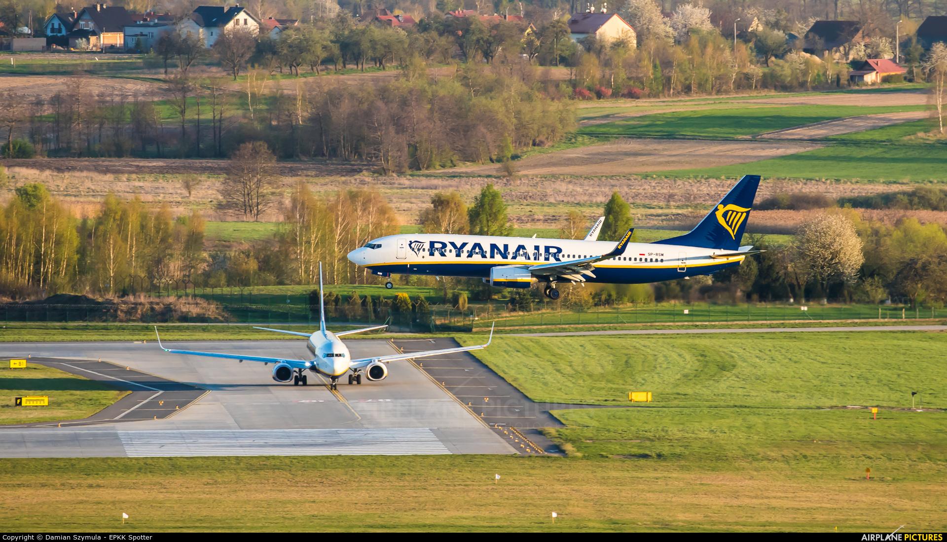 Ryanair Sun SP-RSM aircraft at Kraków - John Paul II Intl