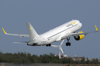 EC-NBA - Vueling Airlines Airbus A320 NEO
