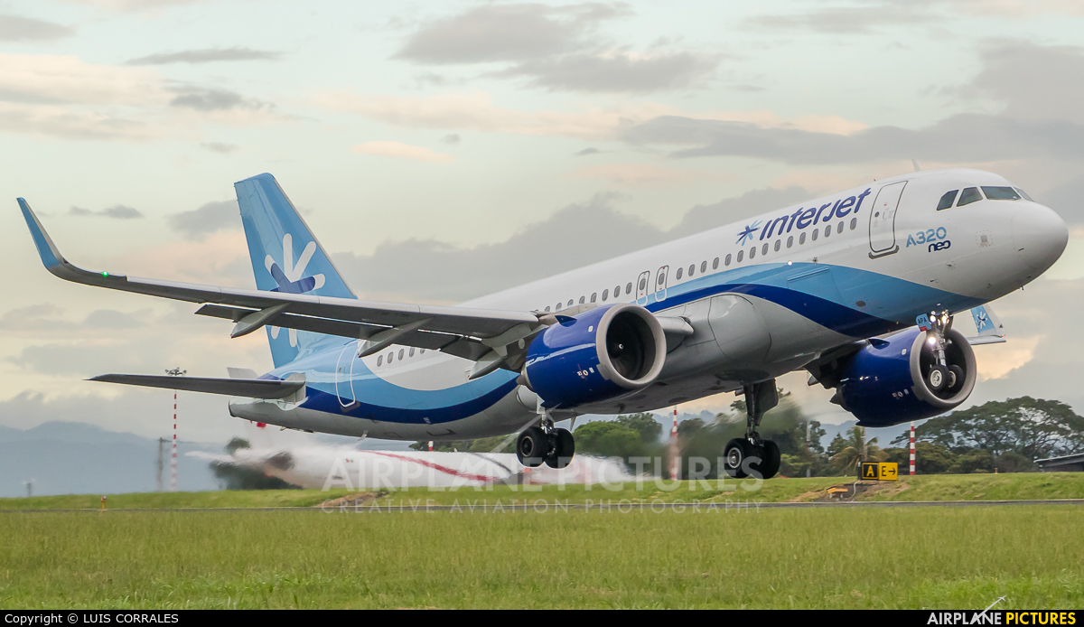 Interjet XA-APA aircraft at San Jose - Juan Santamaría Intl