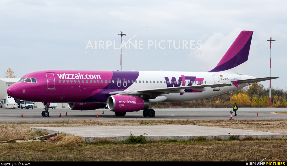 Wizz Air HA-LPQ aircraft at Craiova