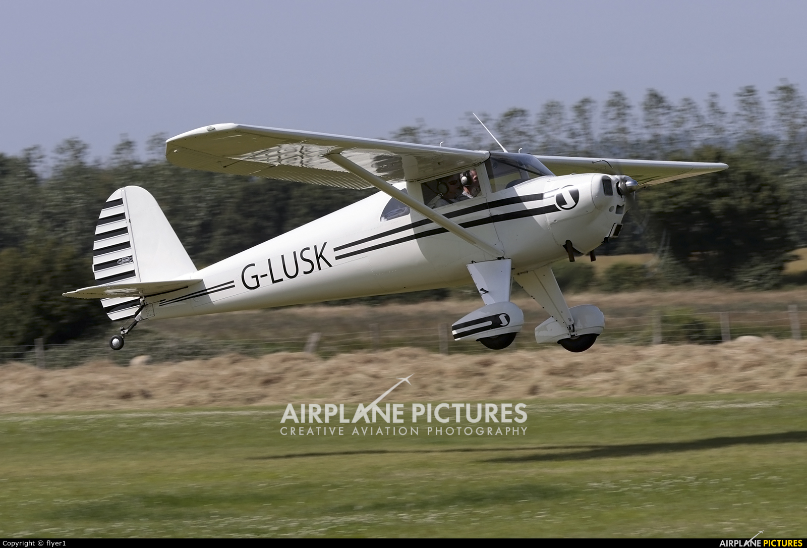 Private G-LUSK aircraft at Lashenden / Headcorn