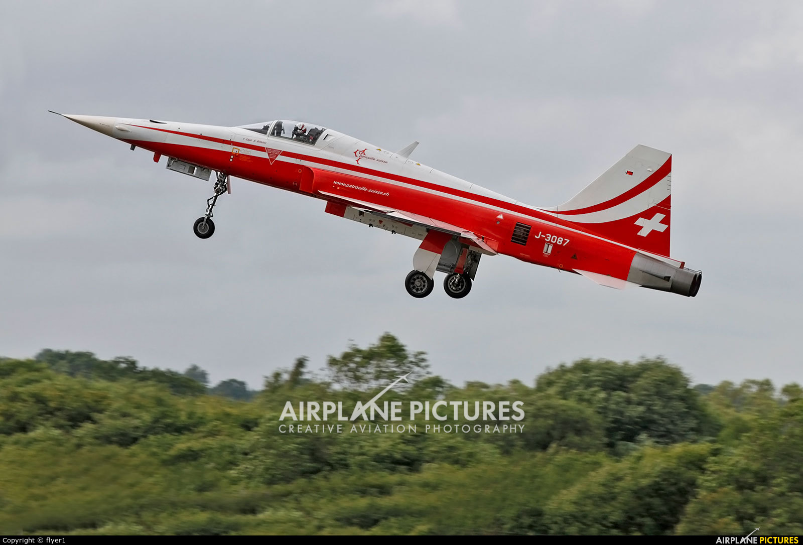 Switzerland - Air Force: Patrouille Suisse J-3087 aircraft at Fairford