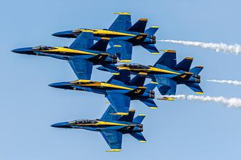 163439 - USA - Navy : Blue Angels McDonnell Douglas F/A-18C Hornet