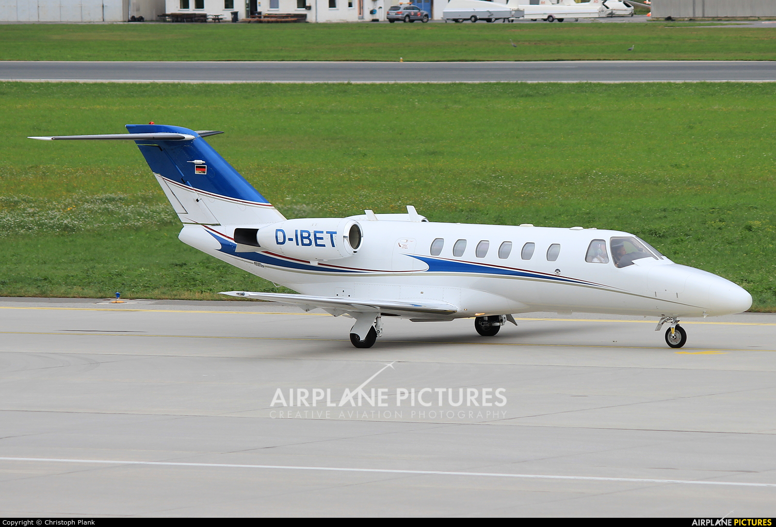 Private D-IBET aircraft at Innsbruck