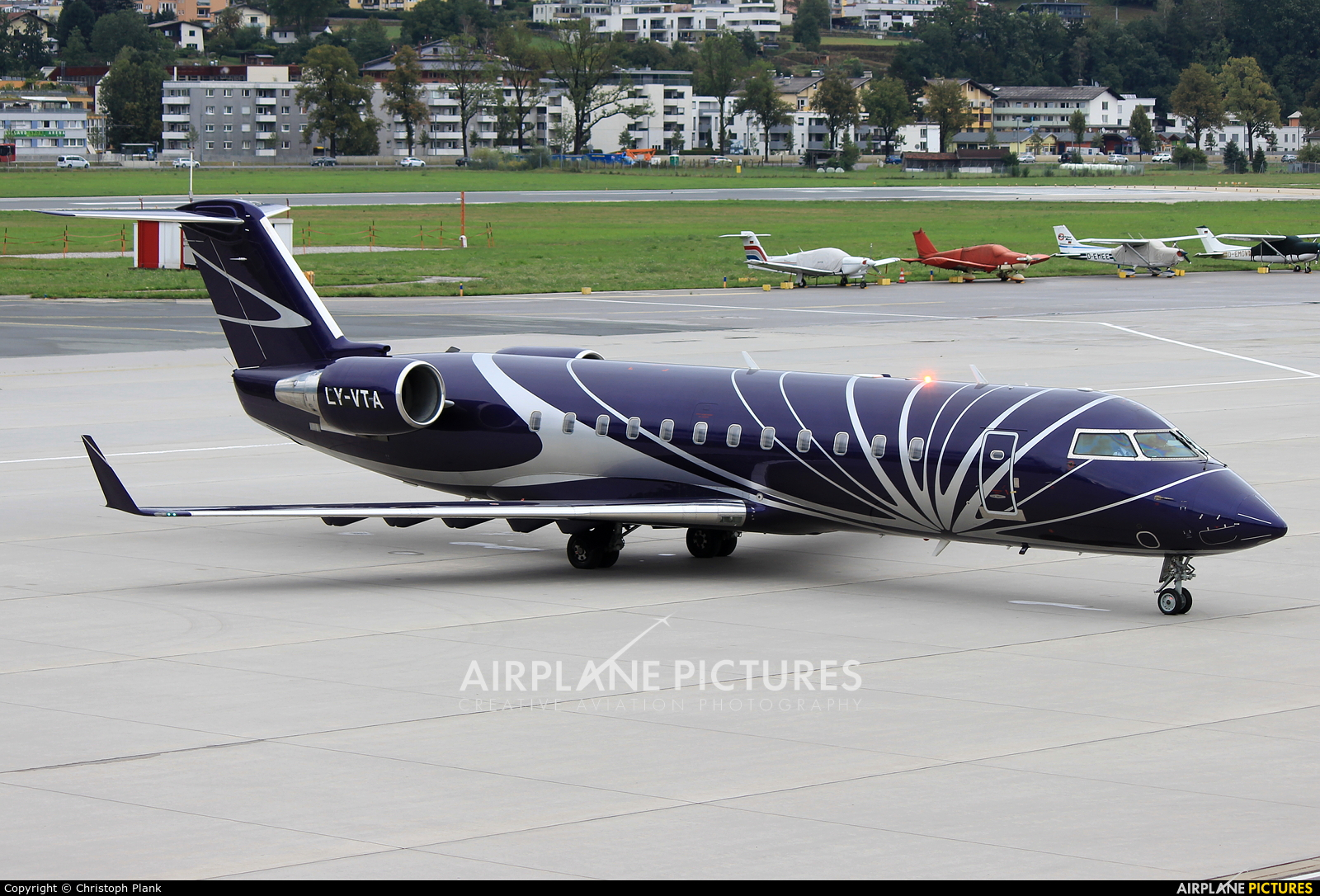 Private LY-VTA aircraft at Innsbruck