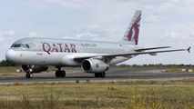 A7-AHE - Qatar Airways Airbus A320 aircraft