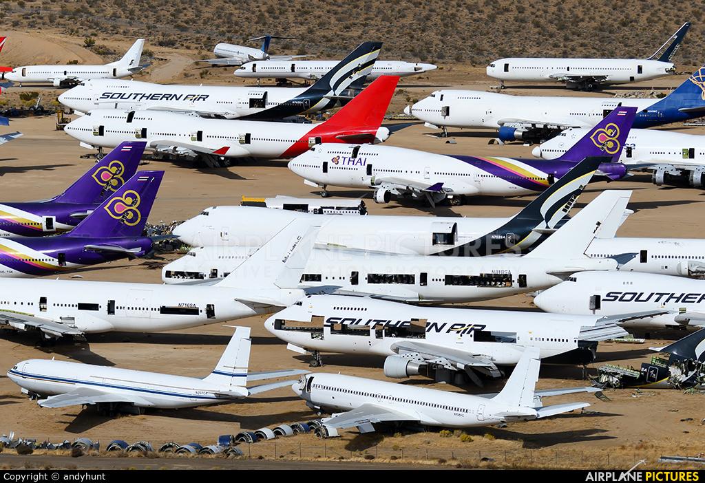 Untitled N706PC aircraft at Mojave