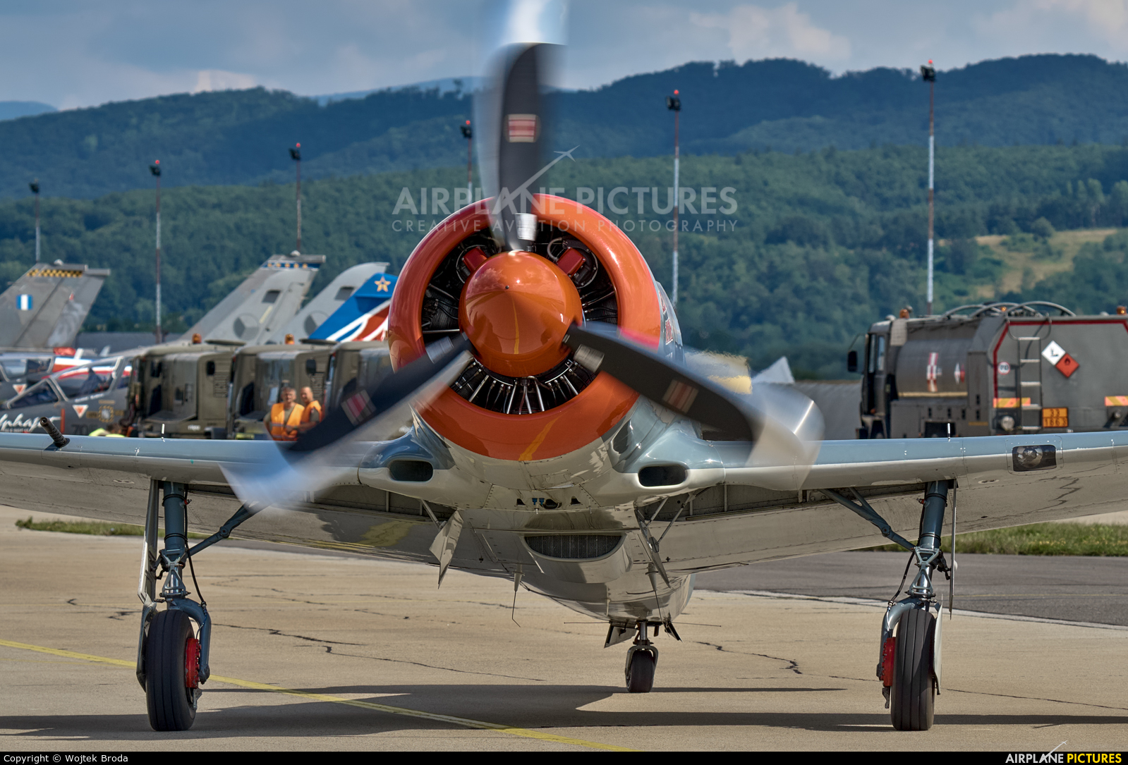 Private SP-YAQ aircraft at Sliač