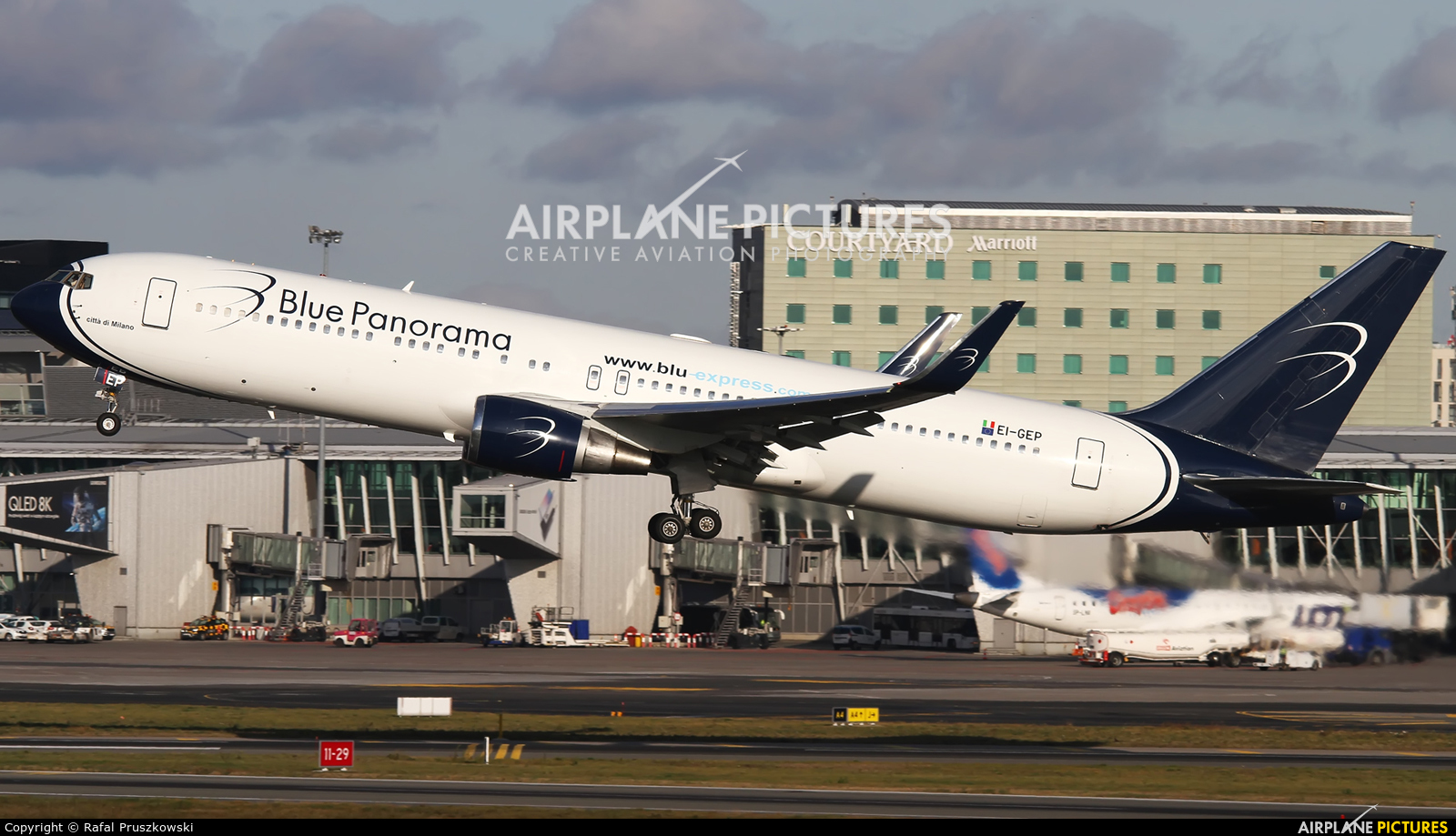 Blue Panorama Airlines EI-GEP aircraft at Warsaw - Frederic Chopin