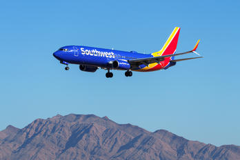 N8518R - Southwest Airlines Boeing 737-800