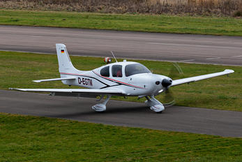 D-EGTM - Private Cirrus SR22