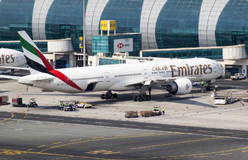 A6-ECZ - Emirates Airlines Boeing 777-300ER