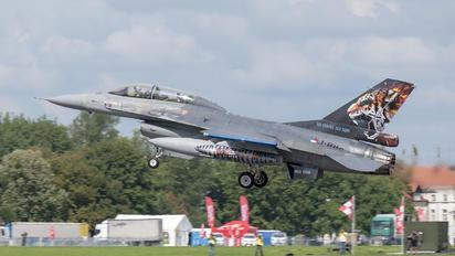 J-882 - Netherlands - Air Force General Dynamics F-16B Fighting Falcon
