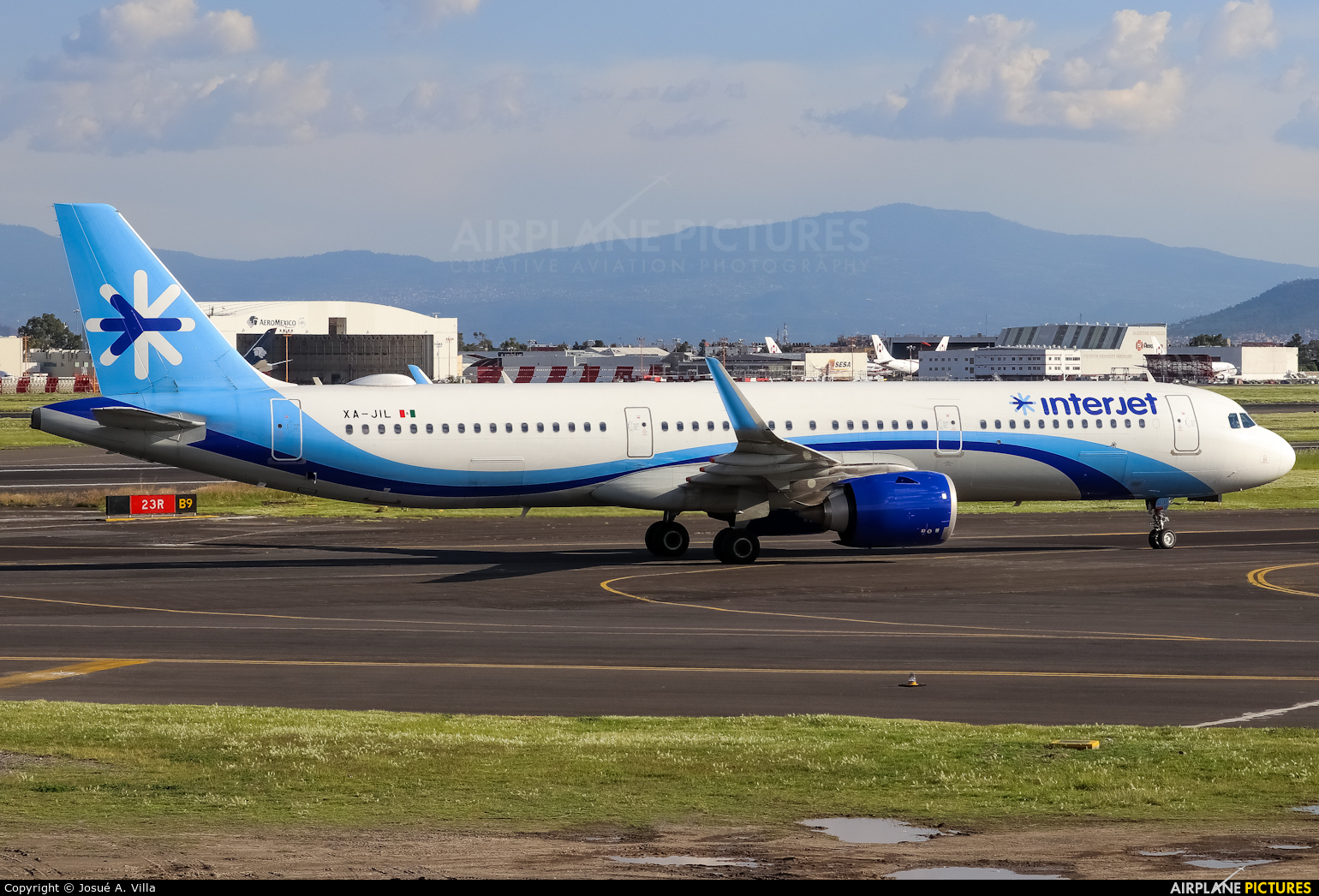 Interjet XA-JIL aircraft at Mexico City - Licenciado Benito Juarez Intl