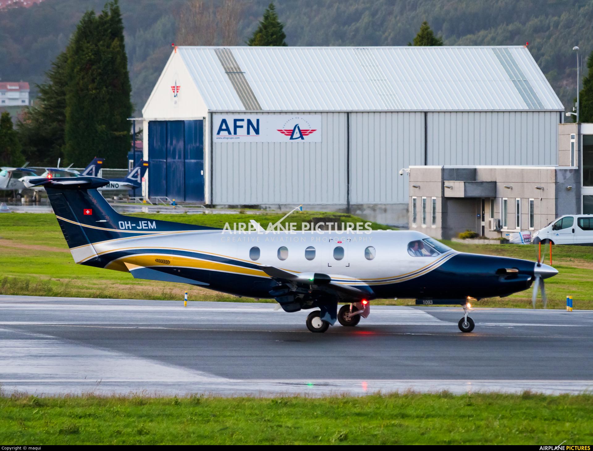 Hendell Aviation OH-JEM aircraft at La Coruña